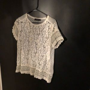 Limited lace top size M